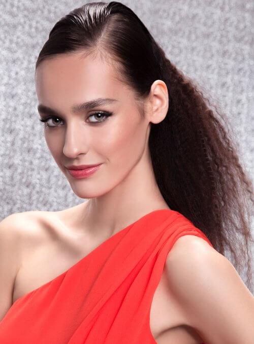 Festliche Frisuren mit Jüll Ürküt | Shooting für IN Magazin | Bild 3