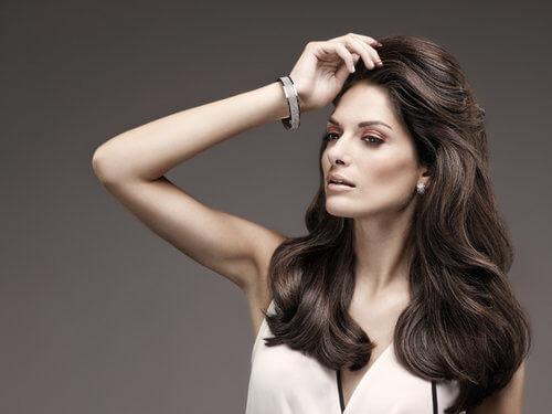 Der Traum vom schönsten Haar | Wir optimieren Ihre Haarpracht individuell! Friseur München